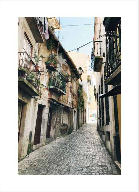 Narrow alley Lisboa poster