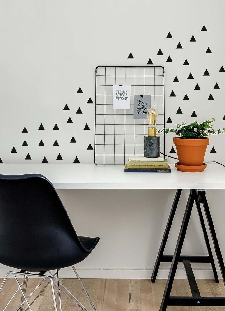 Svart triangel väggdekor