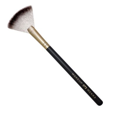 137 Fan Brush