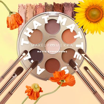 Matte Eyeshadow Palette & Brush Set