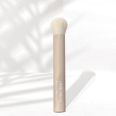 Skin Glow Brush Lene Orvik x Makeup Mekka