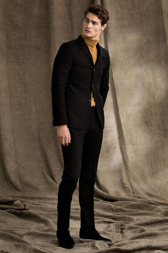 Elias treknäppt kostym