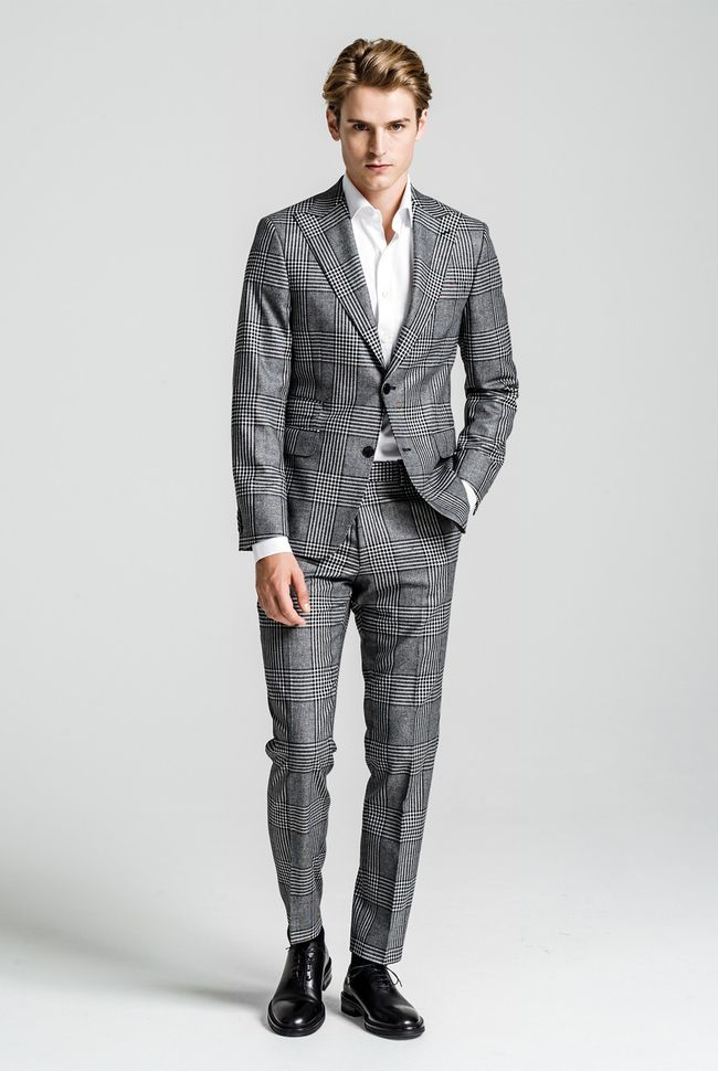 Elmer checkered suit