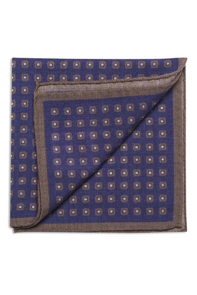 Patterned wool handkerchief