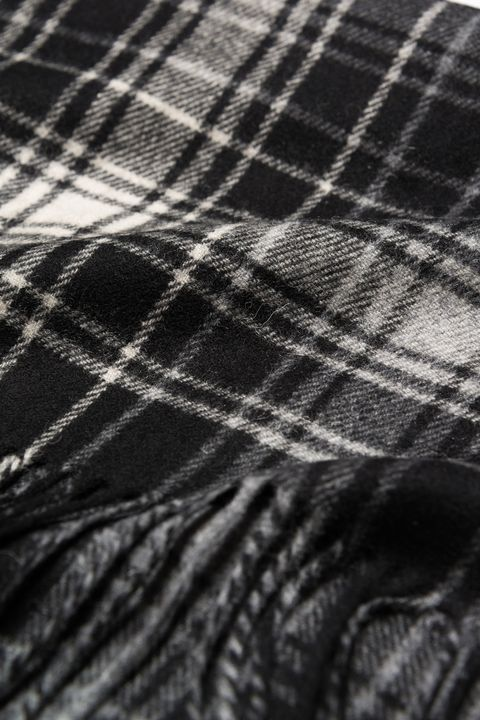 Checkered wool scarf