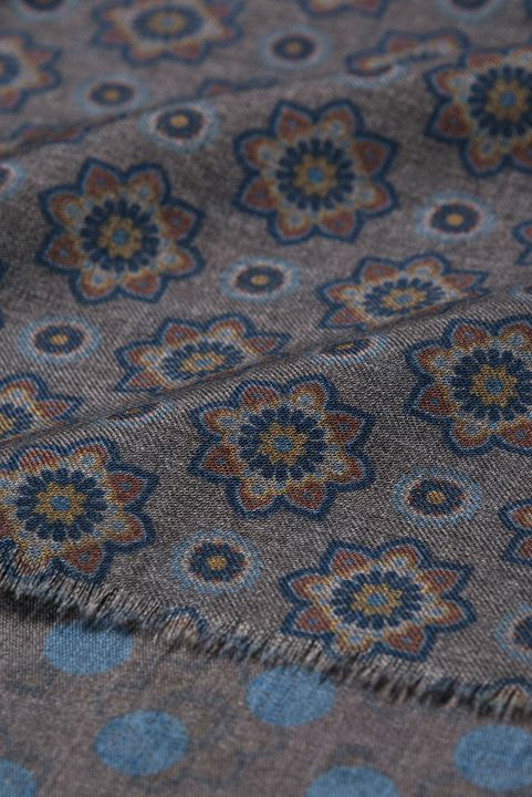 Floral patterned wool scarf