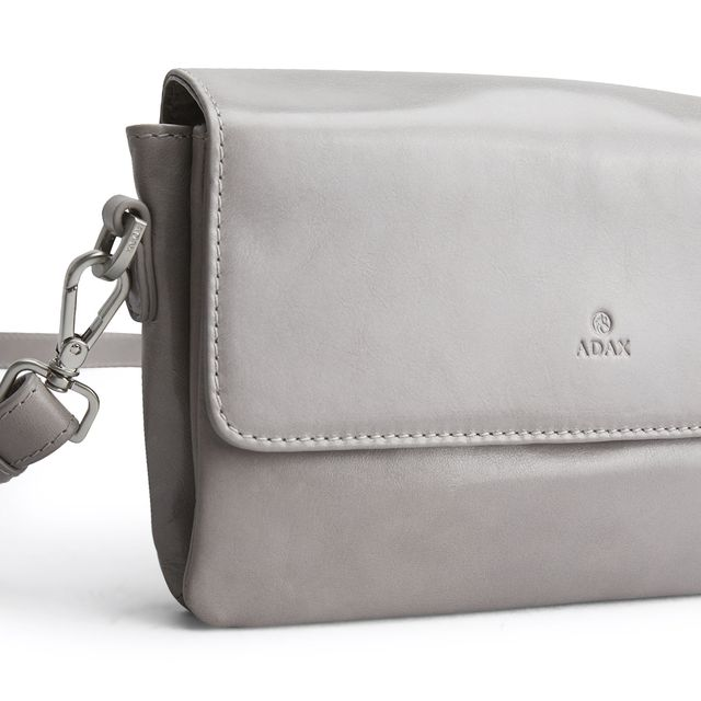 Adax Elly liten axelremsväska i skinn