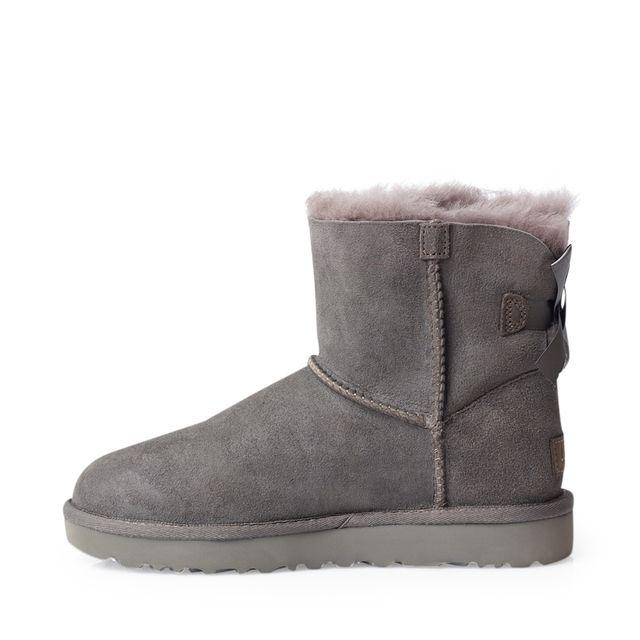 UGG Classic Mini Bailey Bow boots i fårskinn