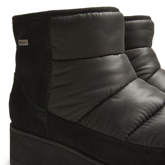 UGG Ridge Mini boots