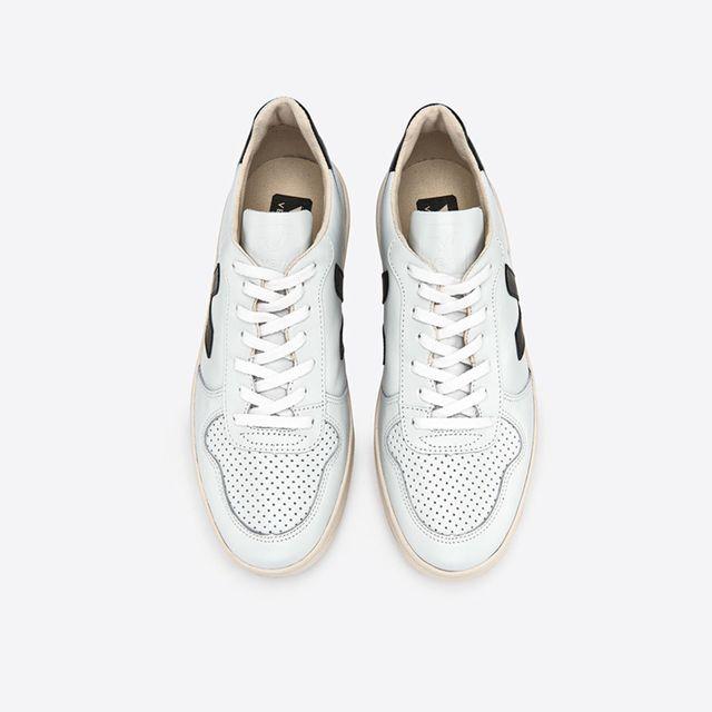 Veja V-10 sneakers i skinn, dam
