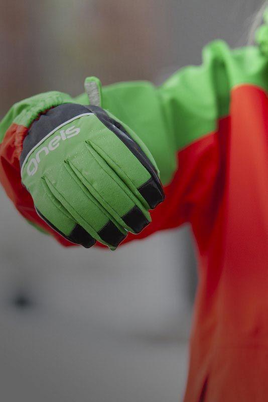 Handskar på barn