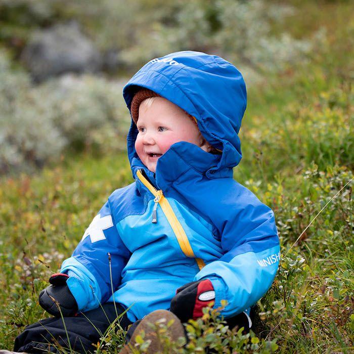 Litet barn i Gneis vinteroverall