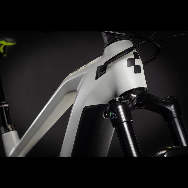 CUBE Stereo Hybrid 140 HPC Race 625 2021 sähkömaastopyörä