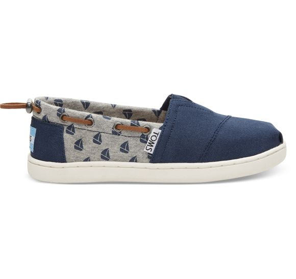 Navy Canvas/Sailboats