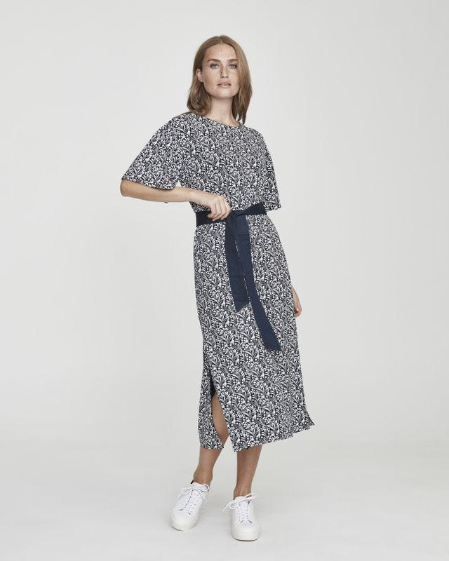 Kajsa Slit Dress