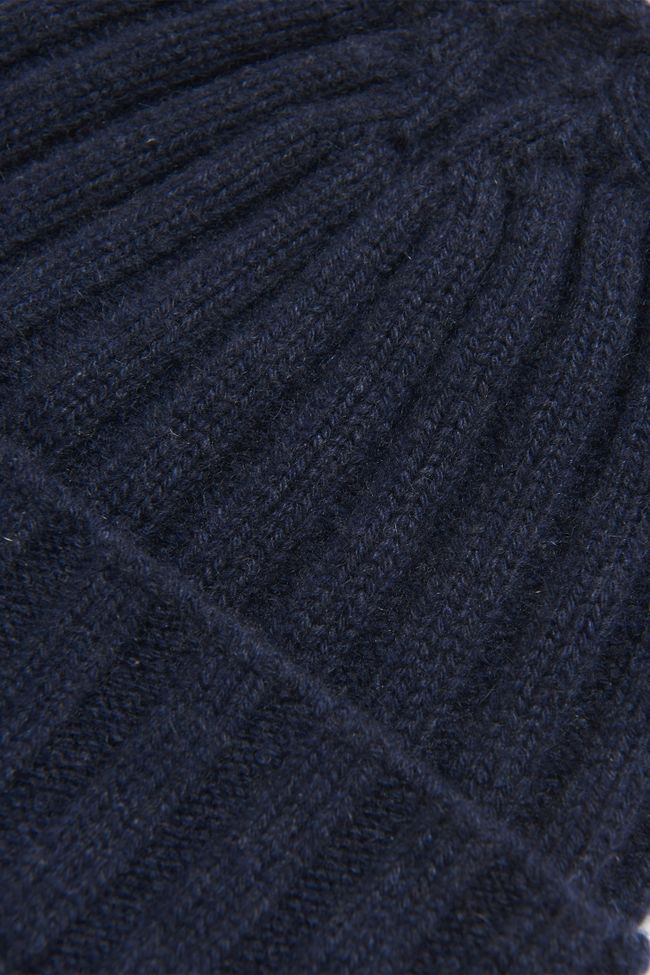 Knitted cashmere hat