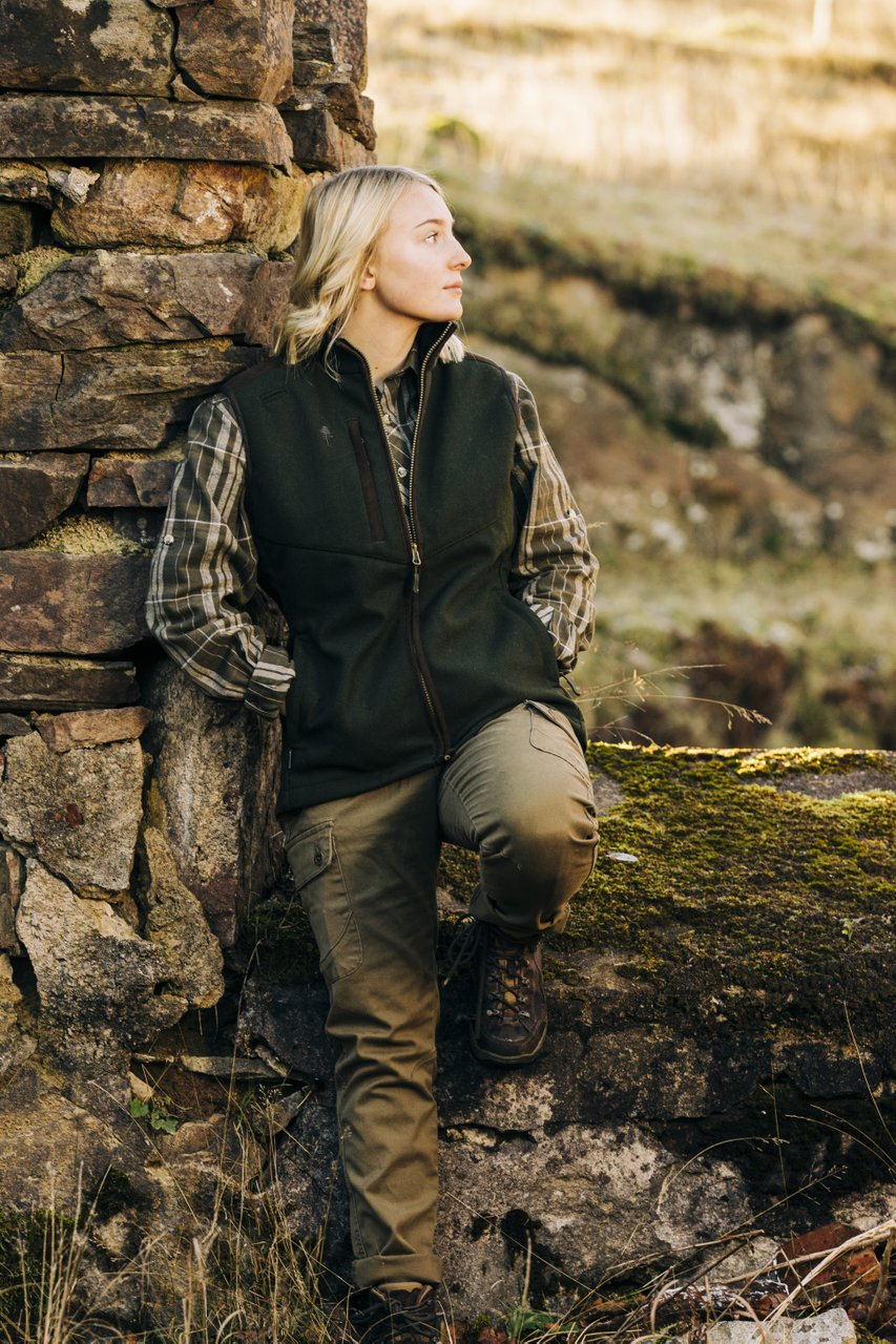 Pinewood Nydala Wool Vest W'S 3808 Mossgrön/Mockabrun